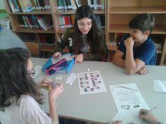 """silvia y Alexis jugando a """"Tarjetas aritméticas"""""""
