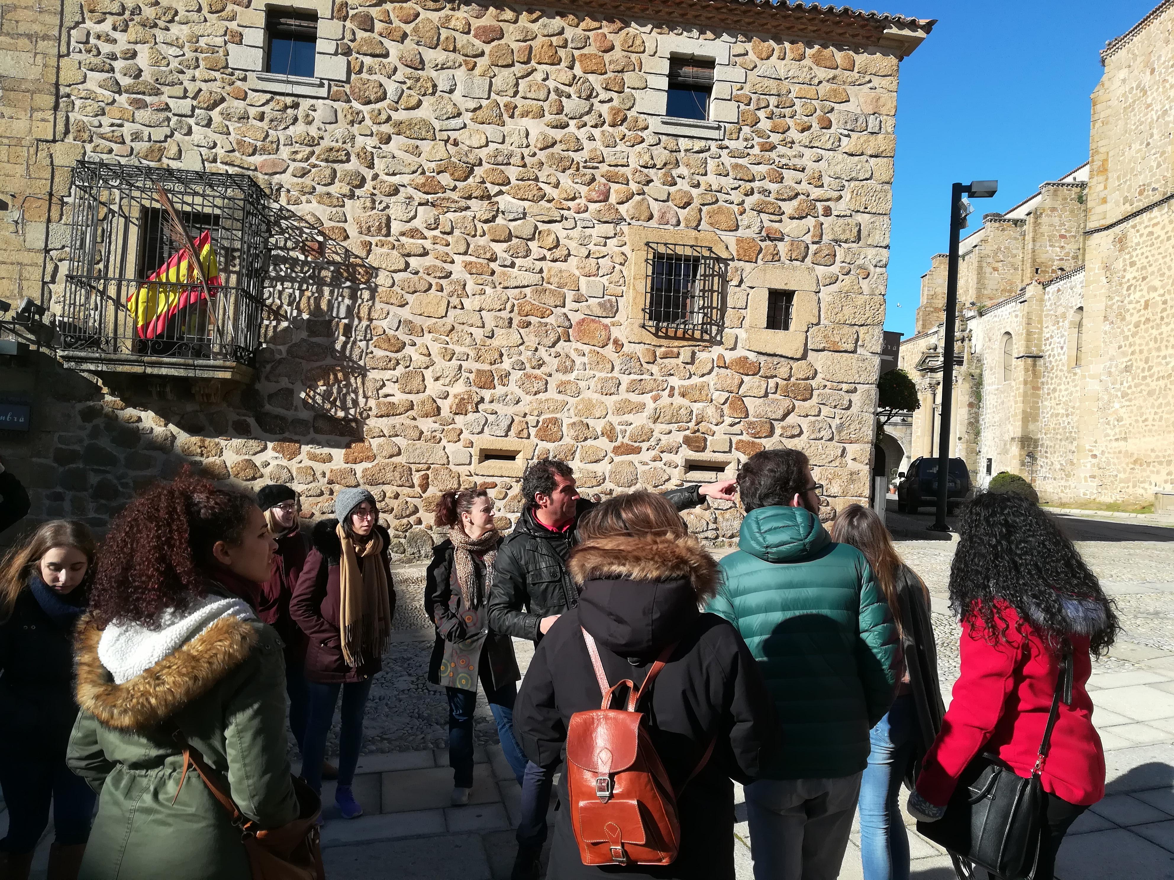 Los alumnos de giat visitan plasencia y c parra blog del for Oficina de turismo plasencia